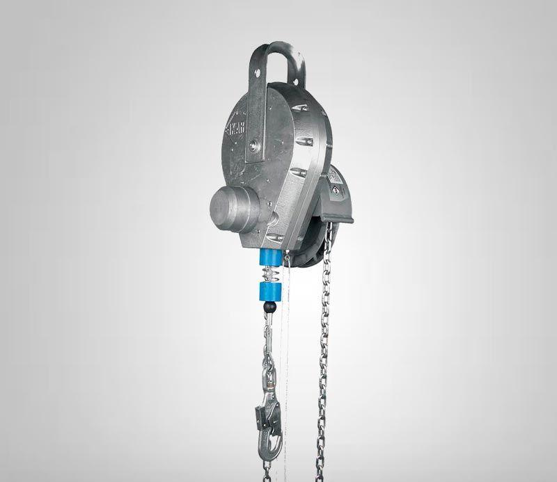 Retractable fall arrester with retrieval system EN 360 and EN 1496