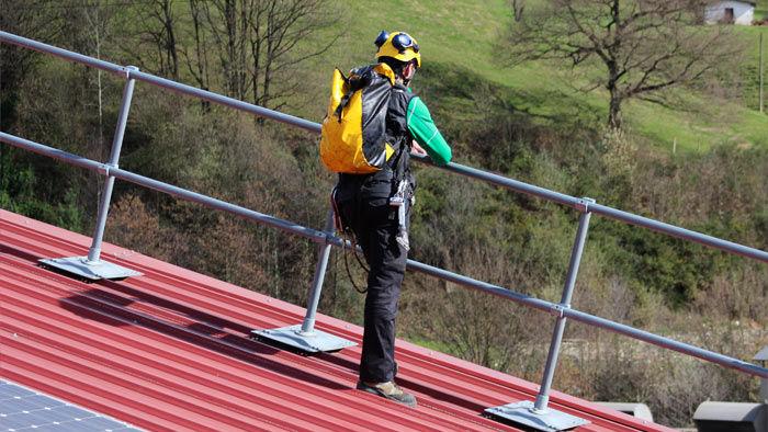 Protecciones colectivas elytra seguridad en altura - Barandillas de obra ...